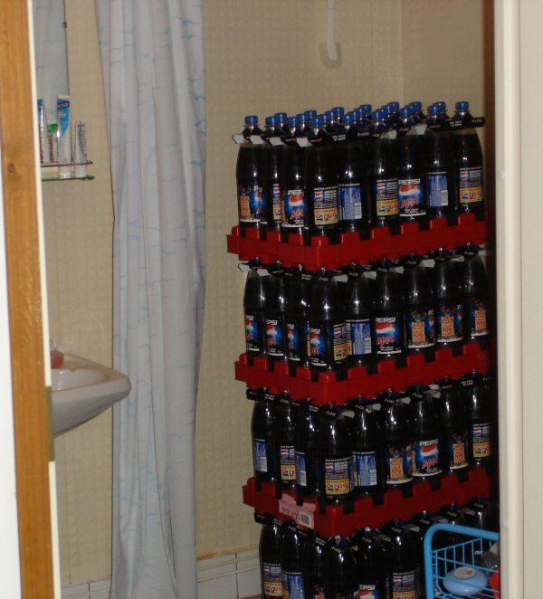 pullojen suihkuttelua