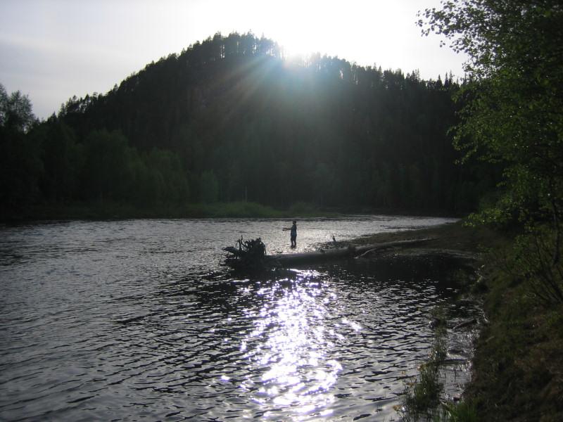 unski kalastaa Kitkajoella